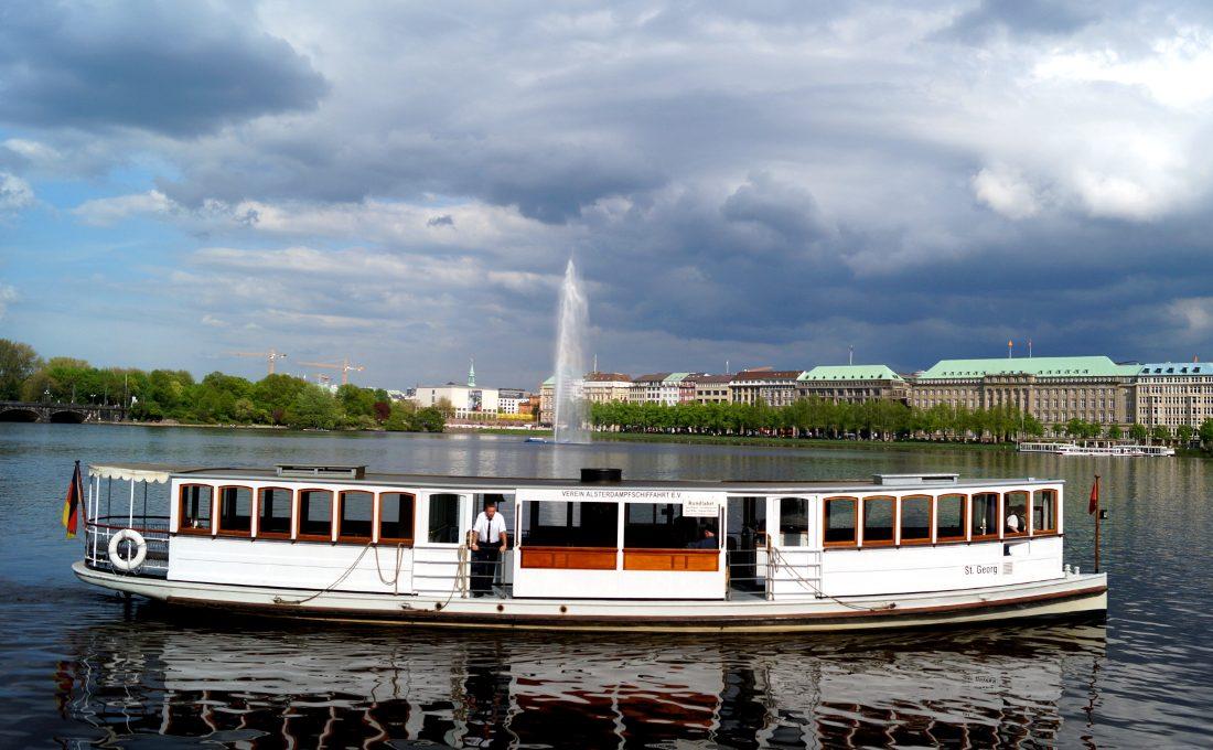 Hamburg Alster Alsterschiff