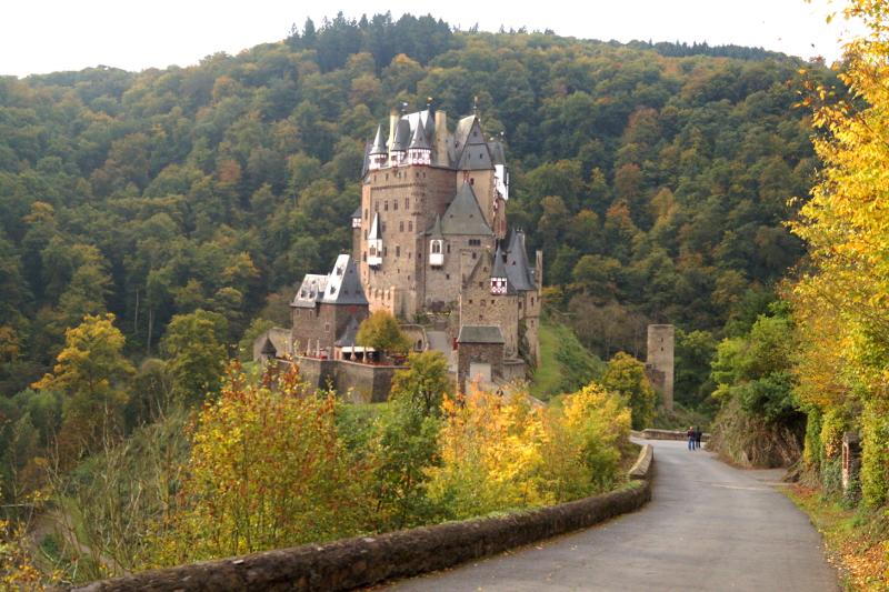 Burg Eltz Herbst