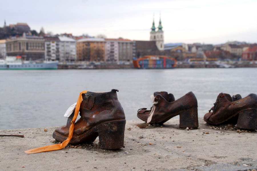 Shoes_Danube_River_Budapest