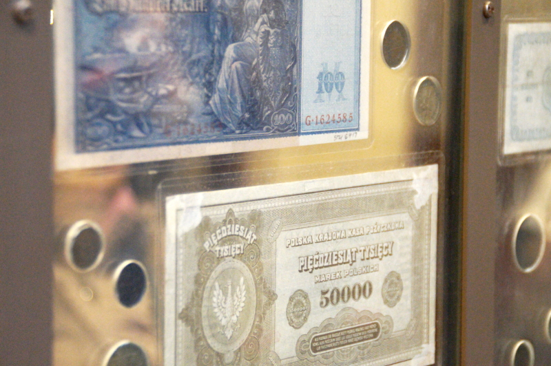 Money Change New York Ellis Island