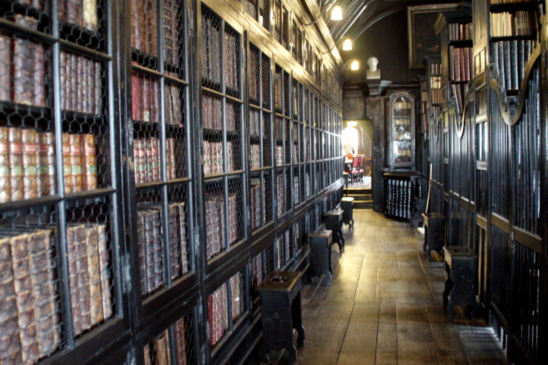 Chehtham's Library A Booklovers Guide to Manchester